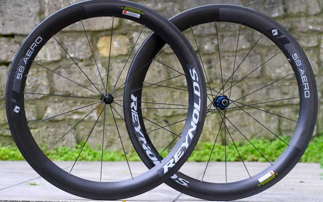 What Are Carbon Clincher Wheels?